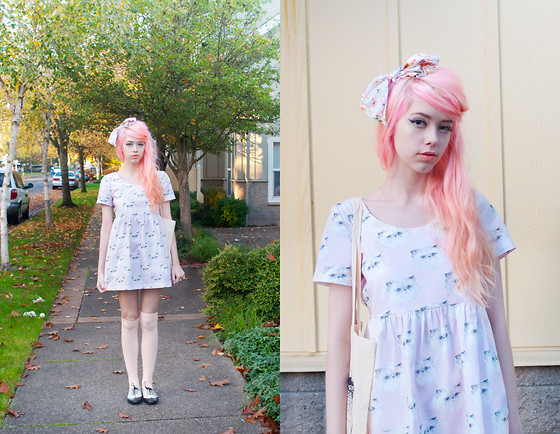 Kailey Flyte - Hello Harriet Dress, Asos Marshmellow Scarf, American Apparel Over The Knee Socks, Hello Harriet Cat Tote - Caturday