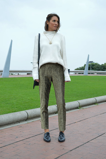Isabella Pozzi - H&M Metallic Trousers, & Other Stories Knitted Sweater - Metallic Trousers