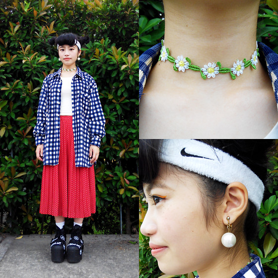 Peggy Chen - Damage Tooth Shape Platform, Made By Myself Flower Choker, Made By Myself Big Preal Earrings - French Picnic