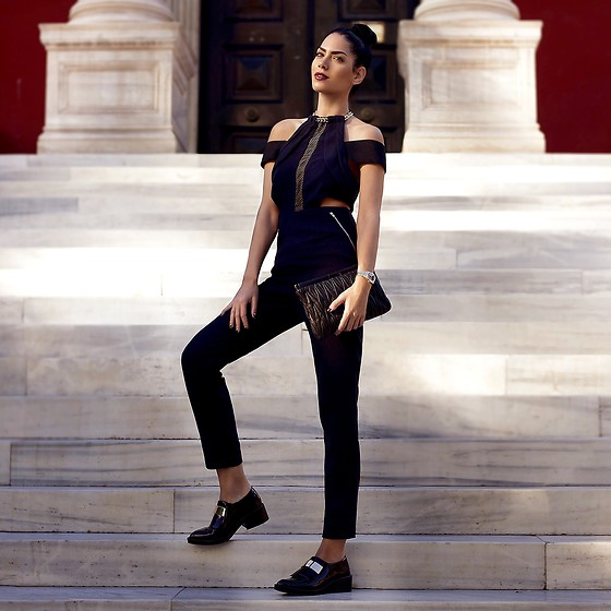 Konstantina Tzagaraki - Jumpsuit, Miu Purse - Watch the stars, and see yourself running with them..