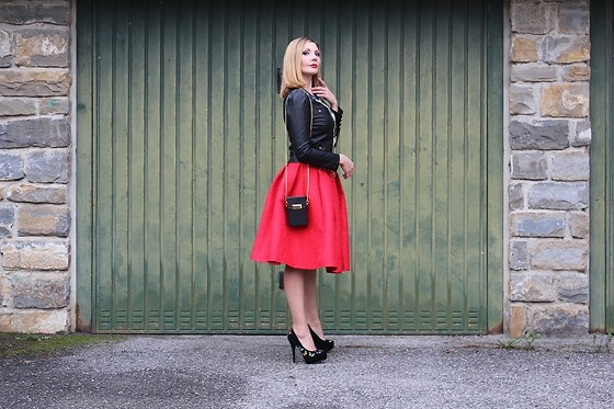 Valeria Arizzi - Oasap Red Flared Skirt, Oasap Black Leather Jacket - Rock and butterflies