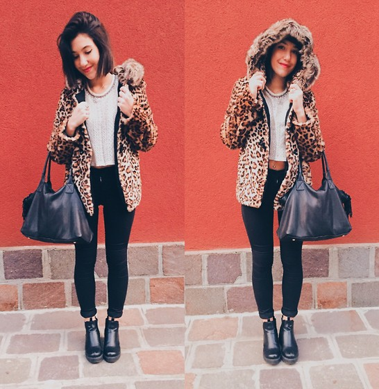Francesca Schiavoni - Pull & Bear Leopard Fake Fur, Hollister Co. Crop Top, Subdued Black High Waist Jeggings, Made In Italy Black Leather Bag, Subdued Ankle Boots - Twenty Nine.