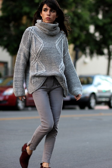 Lucia Mouet - Sheinside Sweater, Paige Denim, Franco Sarto Boots - Gray Turtleneck