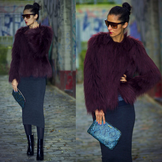 Ruxandra Ioana - Guess? Coat - New Flame