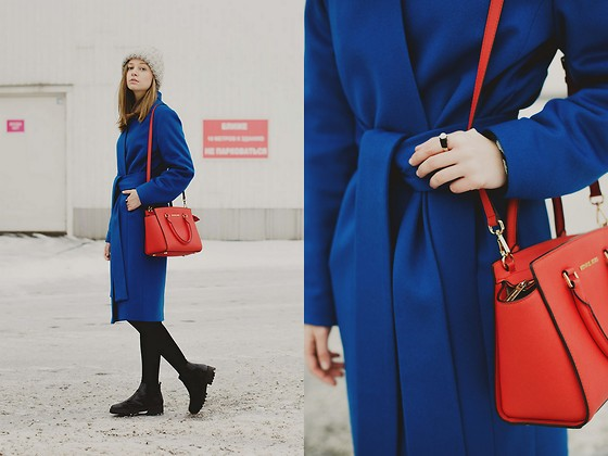 Dasha Shcerbakova - Osome2some Coat, Michael Kors Bag, Asos Boots, Love To Knit Hat - Blue bird