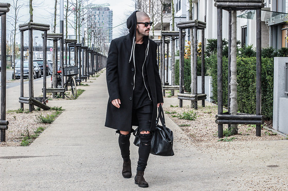 Kosta Williams - Montego Coat, Ripped Skinny Jeans, Chelsea Boots, Leather Duffle Bag - Street x elegance