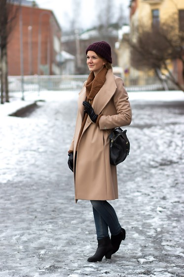 Sanna - Ted Baker Coat - Shades of Beige
