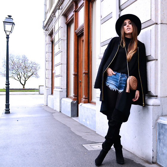 Alison Liaudat - Forever 21 Short, Gucci Clutch, Zara Coat, Geox Over The Knee - Black & Denim