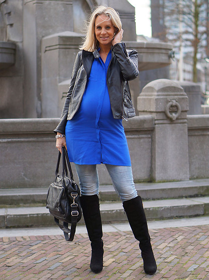 Chris - Pepe Jeans Leather Jacket, Ichi Blue Dress, Lilian Boots, Cowboybag Daiper Bag - Dazzling Blue dress