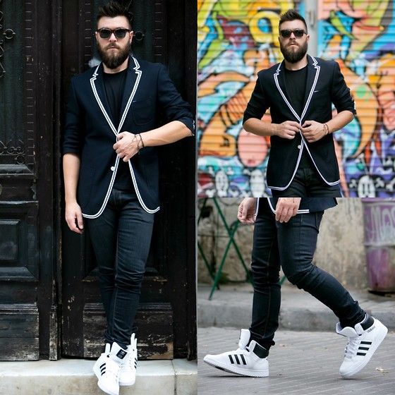 Gabriel - Adidas Sneakers, Hugo Boss Blazer, Givenchy Sunglasses - Back in the City