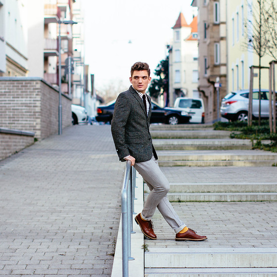 Florian Roser - Superdry Blazer, Cos Jeans, H&M Shoes - Just another TIESday
