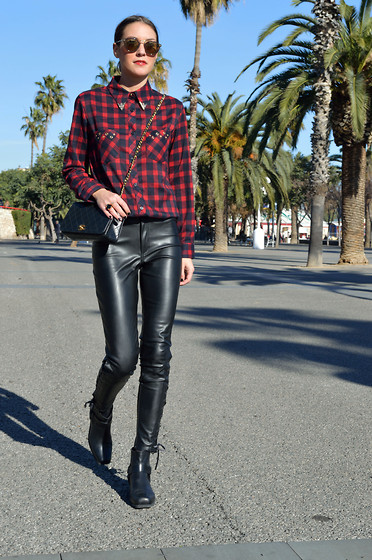 Isabella Pozzi - Trendy Fine Tartan Shirt, H&M Leather Pants ...