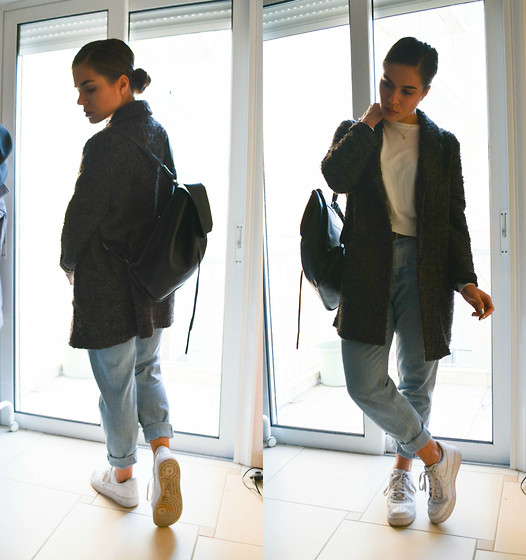 Isabella M. - Pull & Bear Coat, Pull & Bear Backpack, Pull & Bear Mom Jeans, Bershka Top, Nike Shoes - Only Getting Younger