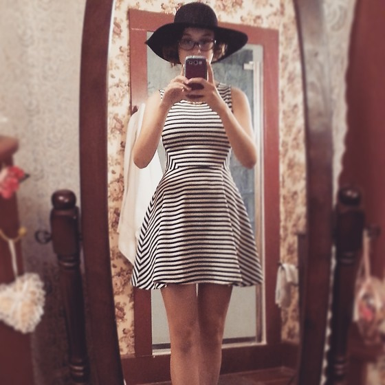 Teresa Thornwoode - H&M Striped Dress, Forever 21 Black Hat - Throwback Friday 2-6-15