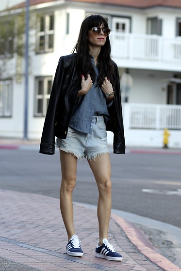 Lucia Mouet - Vera Wang Sunglasses, Madewell Shirt, Urban Outfitters Shorts, Adidas Sneakers - Monday Blues