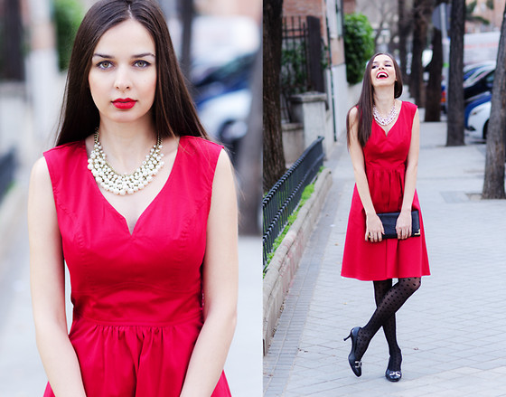 Mariya Marinova - E Shakti Dress, H&M Necklace, H&M Heart Tights - Valentine's Day Look