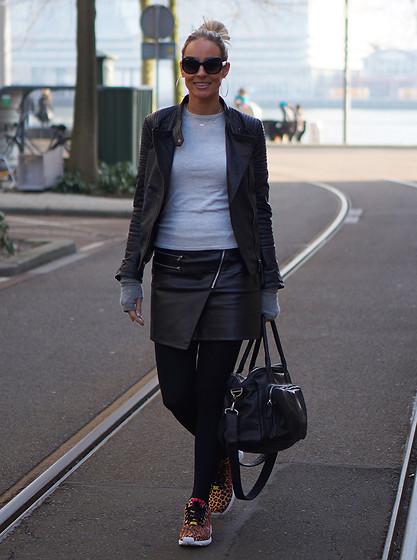 Chris - Adidas Sneakers, Pepe Jeans Leather Jacket, H&M Leather Skirt, Zara Sweater, Ray Ban Jackie Sunglasses - My new Jackie <3