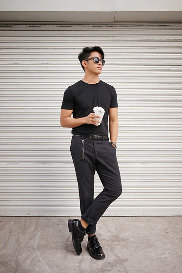 David Guison -  - I'm Late Anyway