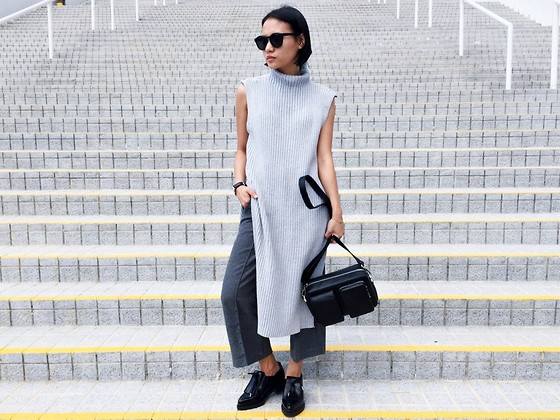 Rachel Eng - Thescarletroom Gwen Knitted Top, Charles & Keith Casual Shoulder Bag - G R E Y
