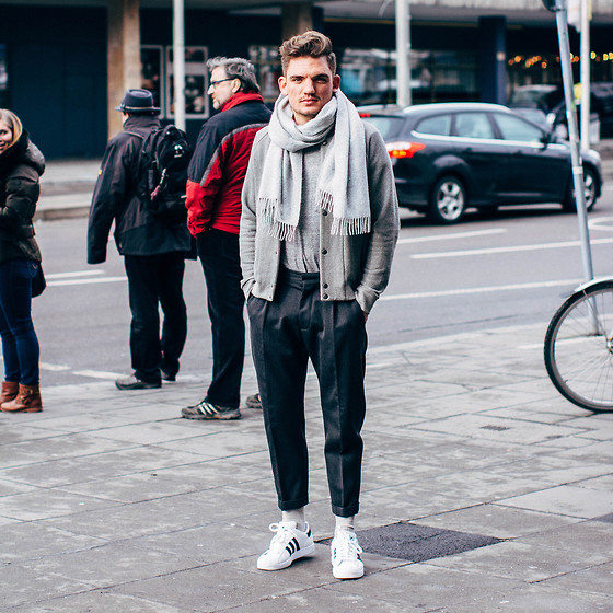 Florian Roser - Dsquared2 Trousers, Adidas Sneakers, Cos Cardigan, Cos Scarf, Uniqlo T Shirt - It's all about gray