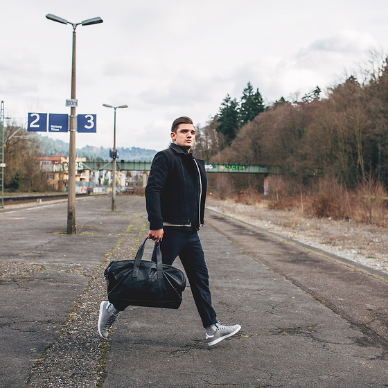Florian Roser - Cos Jacket, Souve Bag, Cos Pants, Adidas Sneakers - Traveller