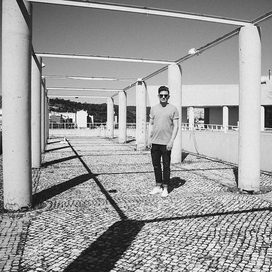 Florian Roser - Cos T Shirt, Cos Jeans, Superga Sneakers - Monochrome in Lisbon
