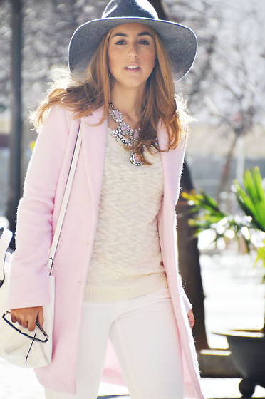 Mara M - Suiteblanco Sweater, Sfera Jeans, Bershka Pink Coat, Zara Bag, Sammydress Necklace, Unit Hat - Pink atmosphere