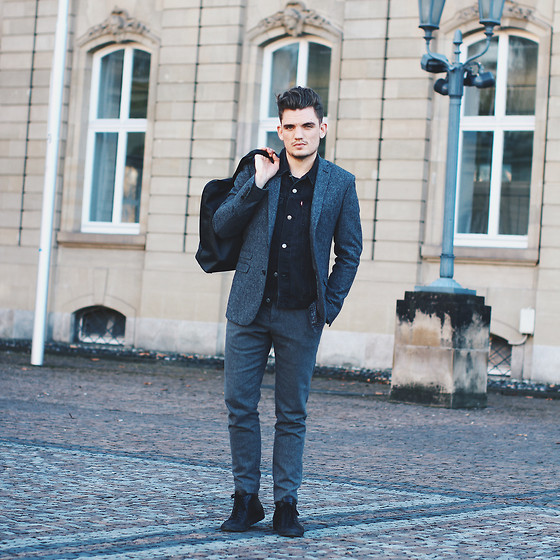 Florian Roser - Ben Sherman Suit, Levi's® Jacket, Common Projects Sneakers, Souve Bag - Gray layers