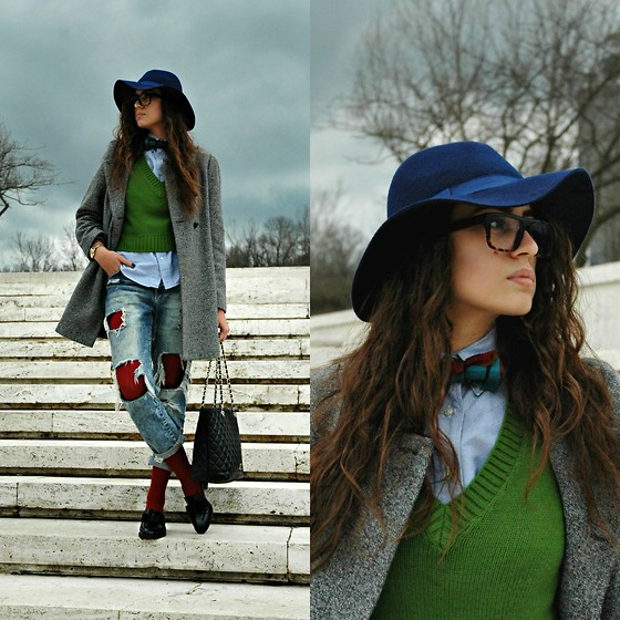Fransi - Céline Glasses, Polo Ralph Lauren Shirt, Moschino Bag, Zara Coat, Zara Shoes, Stradivarius Hat - Under the clouds