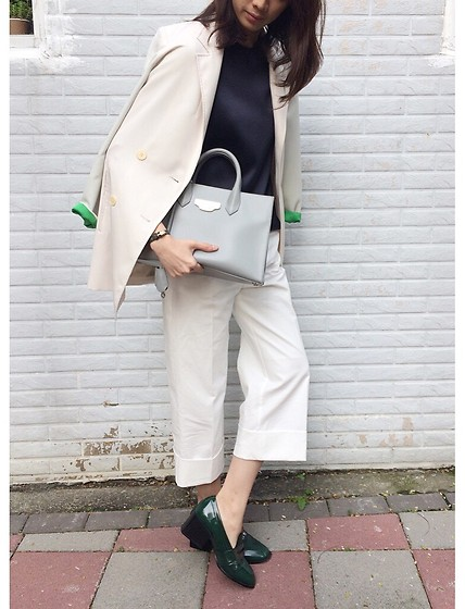 Norelle Weng - Balenciaga Tote, Bvlgari Bracelet - Spring is here