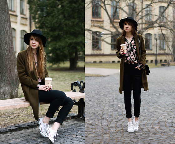 Nastia Poberezhna - Forever 21 Floral Blouse, New Look Black Skinny Jeans, Pull & Bear Khaki Coat, Converse White Sneaker, Pull & Bear Black Fedora Hat - Spring is in the sneakers