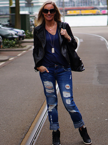 Chris - Pepe Jeans Leather Jacket, Zara Jeans, Nike Sneakers, Zara Blouse - Get the Blues