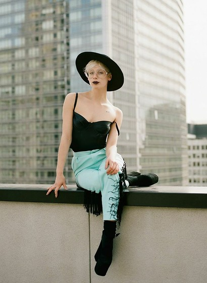 PAUL ISLAND - Unif Relics Hat, American Apparel Underwire Bustier, Vintage Fringed Pants, Unif Dame Shoe -  your favorite cowboy