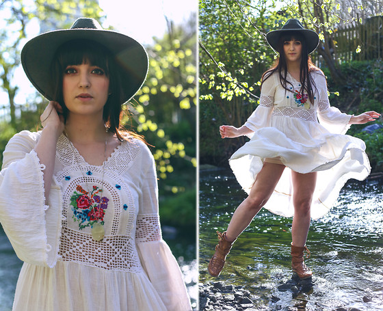 Rachael Dobbins ♡ - Vintage 70's Cheesecloth Dress - Frolicking