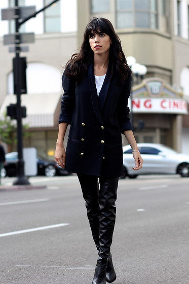 Lucia Mouet - H&M Blazer - The Best Boots