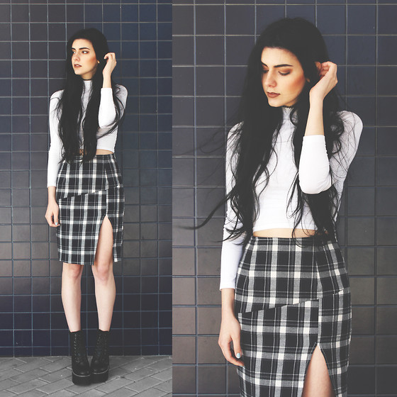 CLAUDIA Holynights - Young Hungry Free Checkered Skirt, Young Hungry Free Boots - Navy check