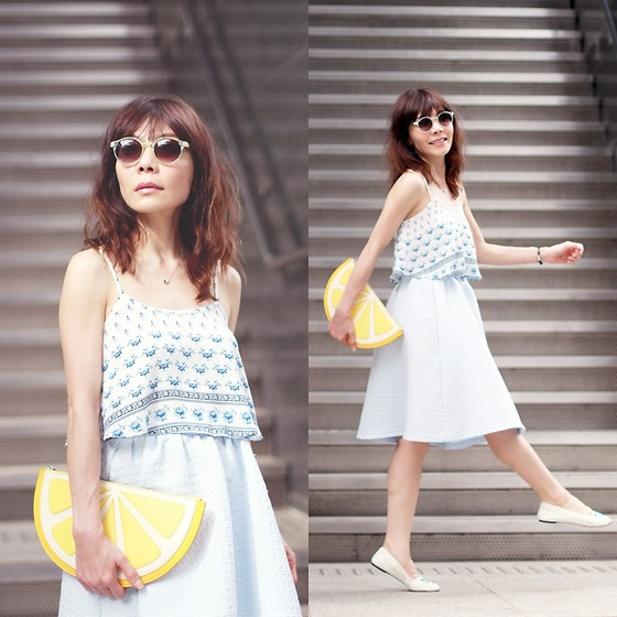 Prisca E. - Monki Lemon Clutch - Summer Blues