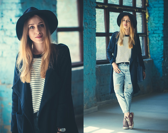 Anna Pogribnyak - Style Moi Sweater, Style Moi Coat, Oasap Jeans - Navy and stripes