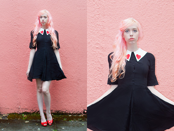 Kailey Flyte - Coco Fennell Heart Collar Dress, Mel Shoes Red Jelly - Queen of Hearts