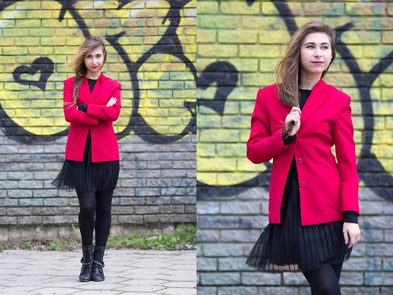 Anna Sever - Trend Jacket, Befree Skirt - Red jacket