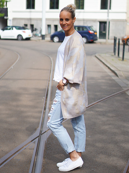 Chris - Selected Femme Cardigan, Superga Sneakers, One Teaspoon Ripped Jeans - Ripped saturday