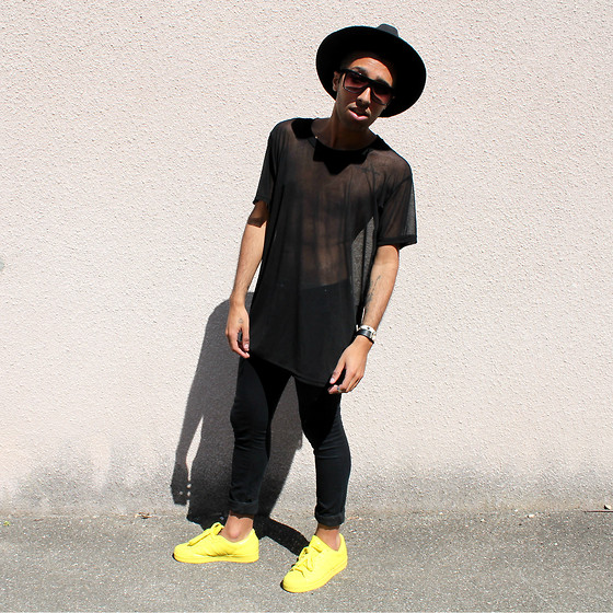 Yannis Menar Adidas Superstar Supercolor, H&M Black Skinny
