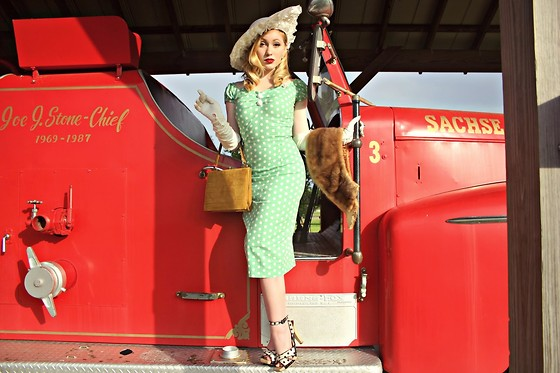 Erin Smith - Collectif Dolores Vintage Polka Dot Pencil Dress, Saint Laurent Heels - On the Sunny Side of the Street