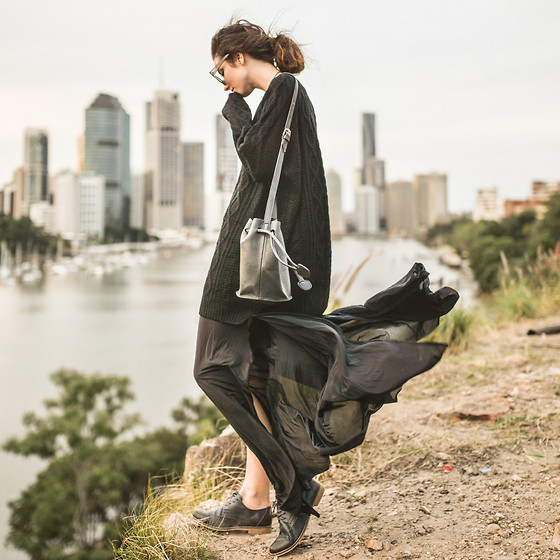 Elle-May Leckenby - Black Oversize Knit, Navy Leather Flats, Black Split Pants - Go with the flow