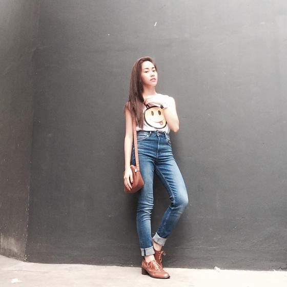 Yumi Yupangco - Esprit Brown Sling Bag, Gtw Urban White Muscle Tee, H&M Skinny Hw Jeans, Aldo Watch, Online Shop Brown Brogues - Umber Delectation