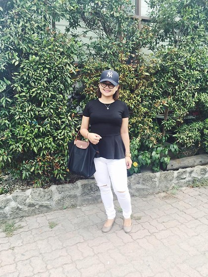 Michi Eleni Camaña - Forever 21 Peplum, Guess? Knee Slit, Longchamp Bag - Break that girly look.