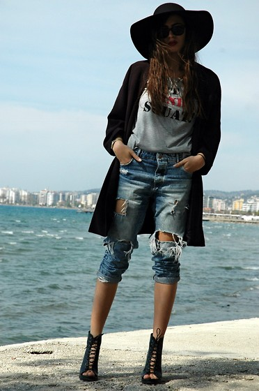 Fransi - Zara Shoes, Bershka Jeans, H&M Jacket, Zara Hat, Ray Ban Sunglasses - Casual