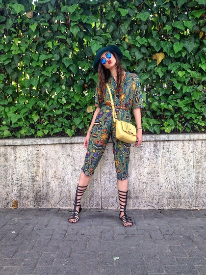 Fransi - Liu Jo Bag, Asos Sunglasses, H&M Hat - Vintage green