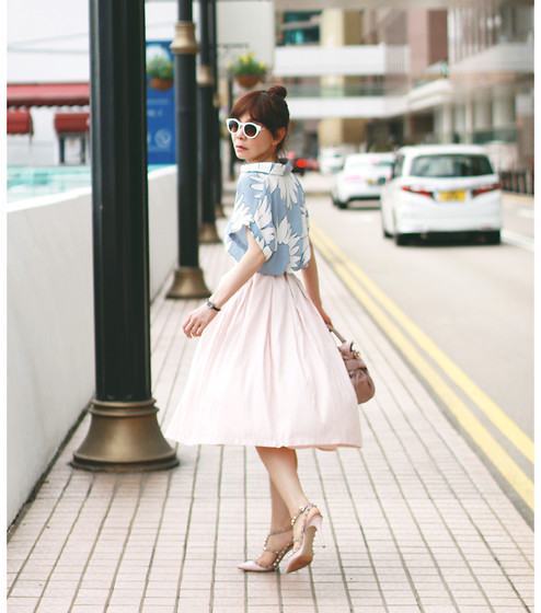 Prisca E. - Forever 21 Light Pink Midi Skirt - Almost a Pink Lady
