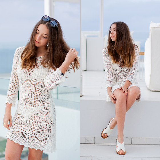 Gabriela Grębska - Nomination Italy Bracelet, Lyla Loves Ring, H&M Crochet Dress, Pull & Bear White Flat Sandals - Crochet dress